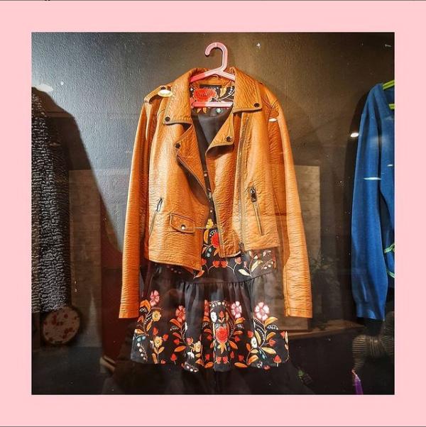 Reviva, tu nueva tienda de ropa y complemento vintage y de segunda mano en Valladolid. A por ellos!